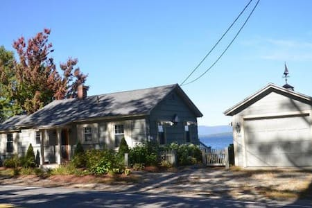 A stone's throw from Gunstock! - Alton - Huis