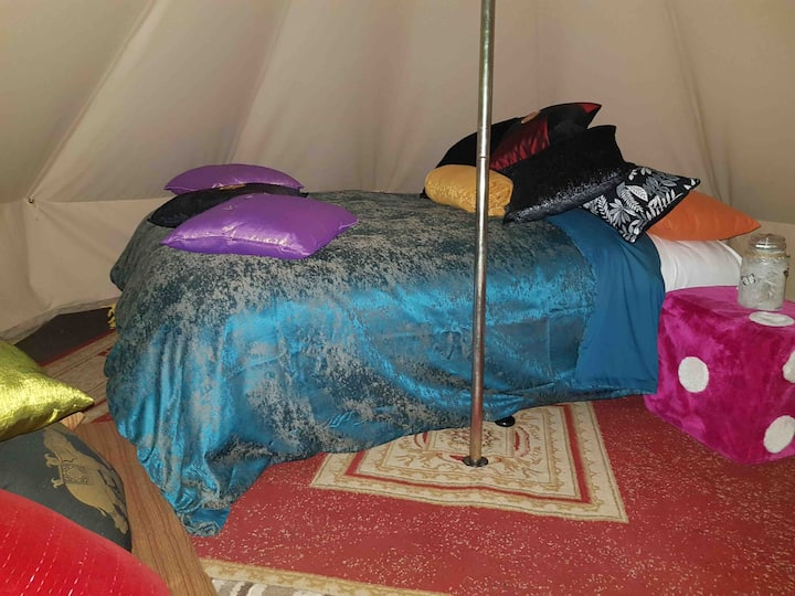 Glamp tent child free environment