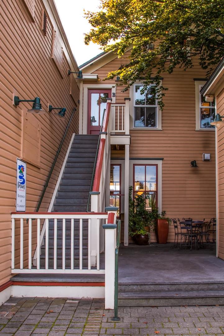 La Conner, Tillinghast Residence B #402