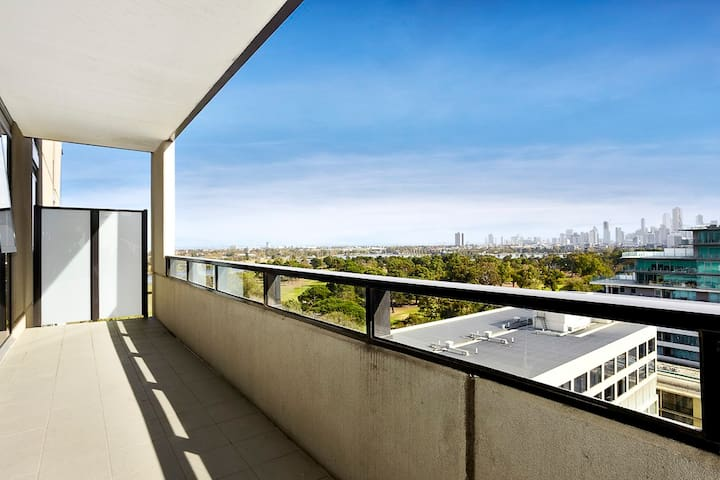 Lakeview One-Bedroom Apartment Near Albert Park