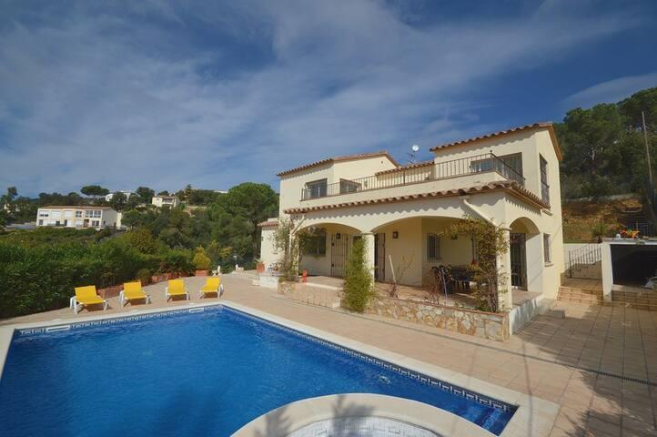 Villa Amalia, 8 peroons, prive zwembad, wifi - Calonge - Villa
