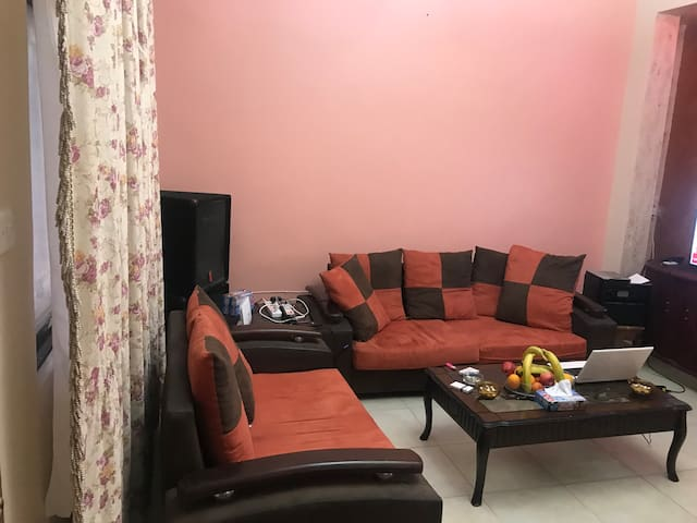 Shared lounge to watch television and acquaintance