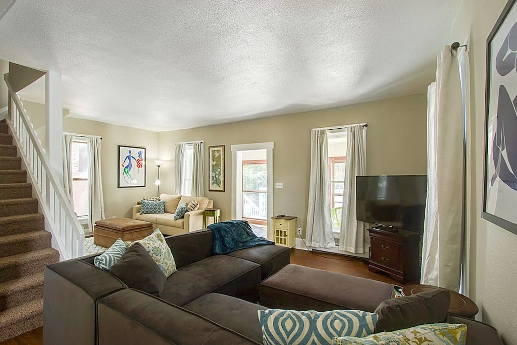 Chic 2 Bedroom Victorian In Old Colorado City Apartments For Rent In Colorado Springs