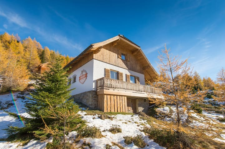 AUSZEIT Almchalet - Karneralm - House