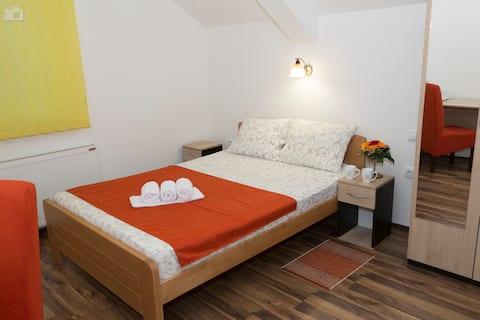 Vila Kety - dvokrevetna soba sa kupatilom