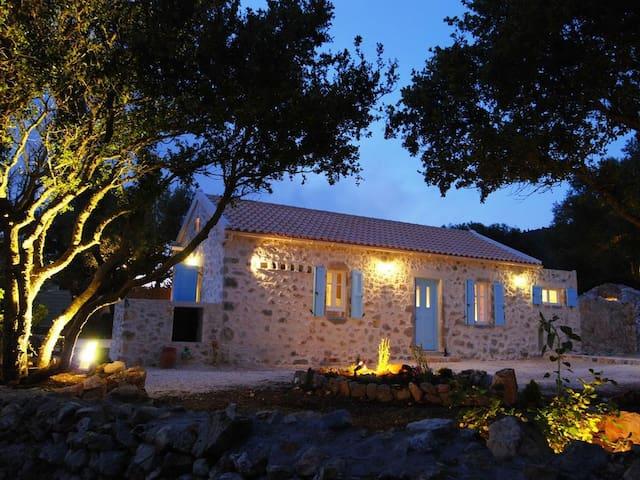 Luxury Restored Stone Villa Nemus - Fiskardo