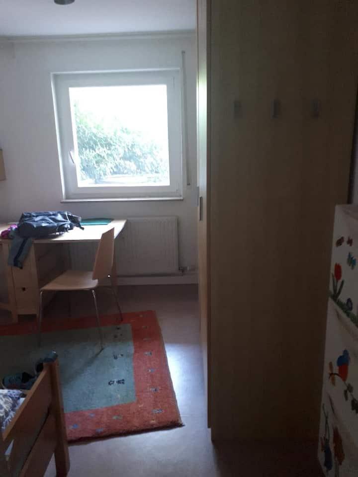 3 Zimmer Wohnung mit Balkon tolle Lage Waldpark