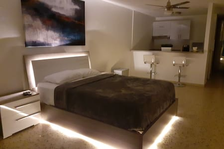 Ideal apartment for layover, close to airport