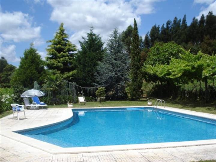 Quinta de Vilar Country House with pool near Porto