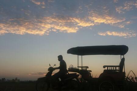 E)Village Home stay/ Tour& Tuktuk