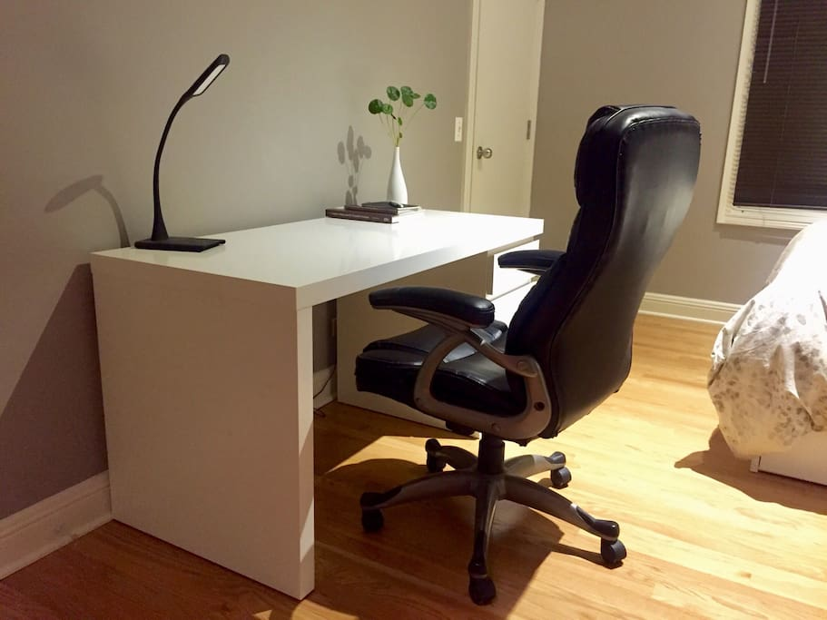 Large desk for all your stuffs in your private bedroom