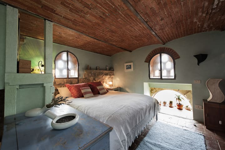 MAIN BEDROOM: most romantic room in our world!