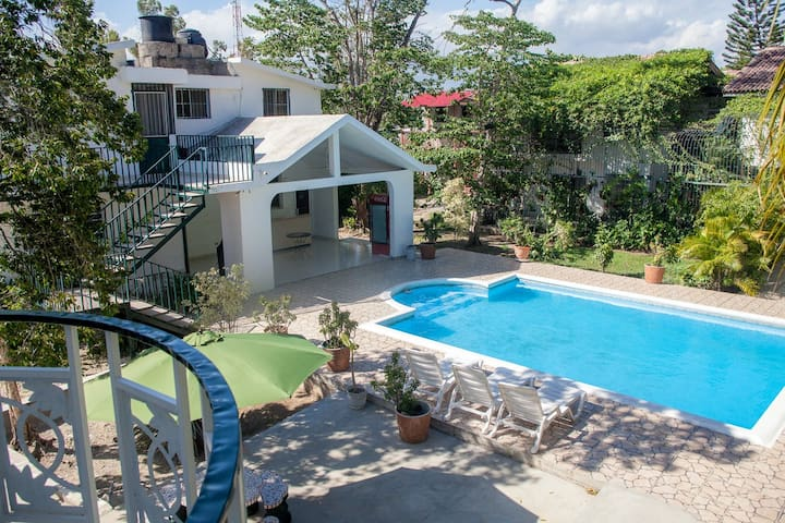 Eucalyptus Guest House - Port-au-Prince - Bed & Breakfast