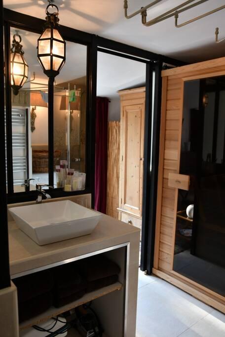 Votre salle de bain équipée d'un sauna