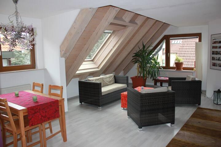 Traumhafte ruhige Citywohnung - Filderstadt - Apartment