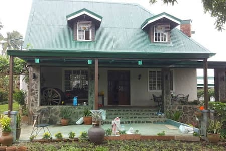 VACATION HOUSE FOR RENT IN TAGAYTAY - Alfonso