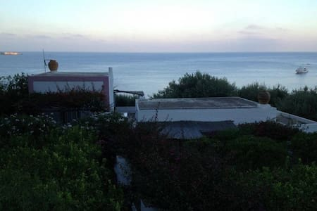 Villa with direct access to the sea - Panarea - Casa
