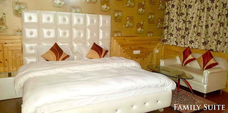 FAMILY SUITE ROOM NEAR PATNITOP