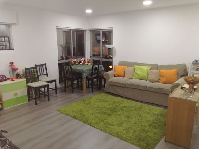 Nicely decorated central apartment - Carcavelos
