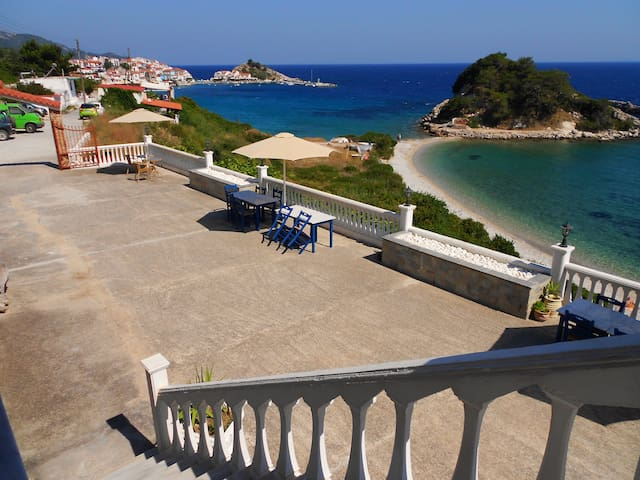 Seaview room overlooking a small bay - Kokkari - Bed & Breakfast