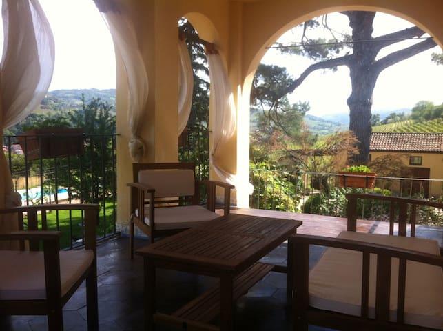 Room LA LOGGIA - Santo Stefano Belbo - Haus