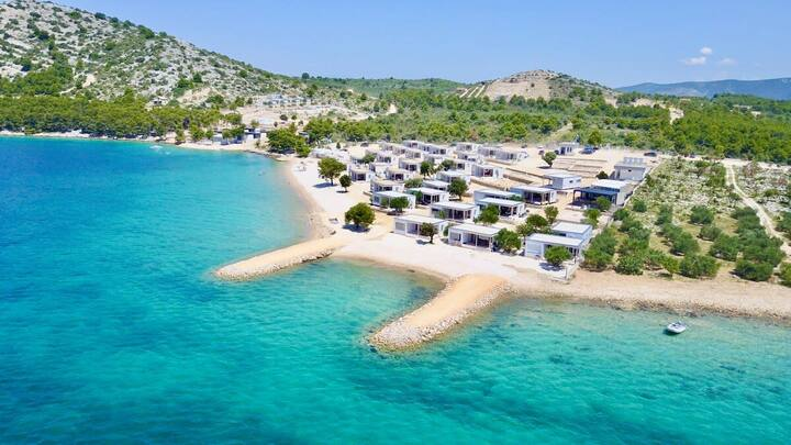 BUQEZ ECO RESORT - Beach Villa 28 - Directly by the beach