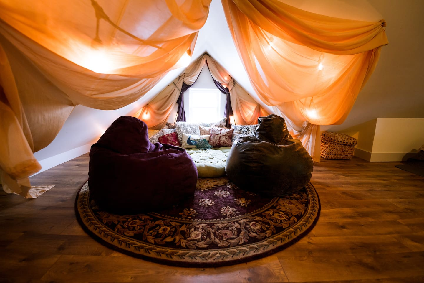The pillow nook is a cozy and inviting place to relax and while away the hours. Sink in and you will feel right at home!