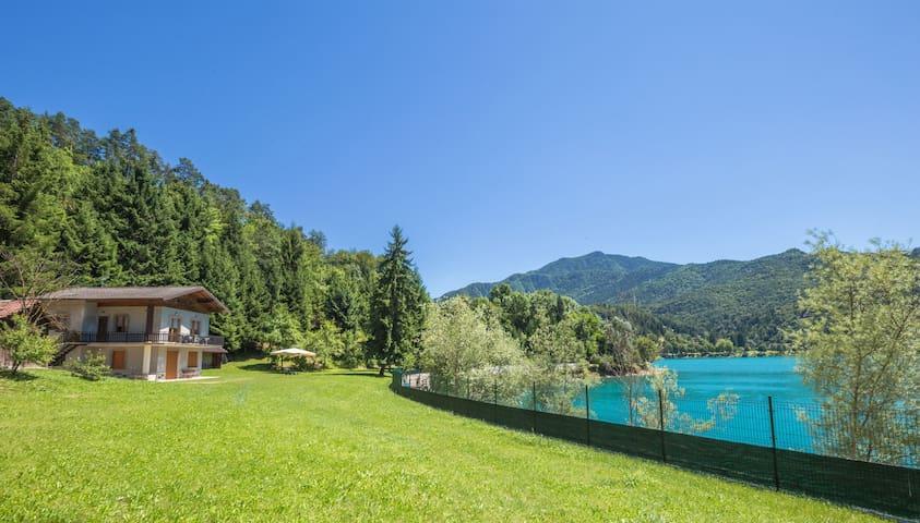 Villa Mezzolago