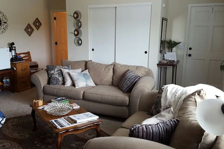 Close to Beach, Surf & Wineries! - House