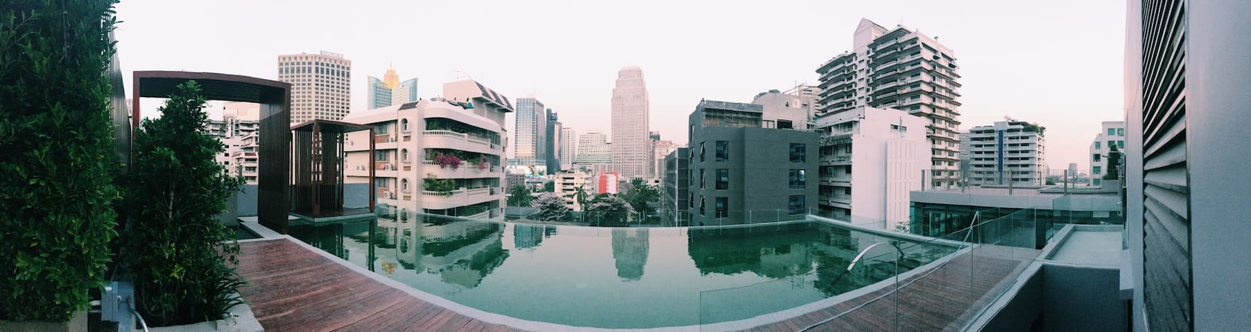 BANGKOK HEART Nana Sukhumvit with infinite pool - 曼谷 - Leilighet