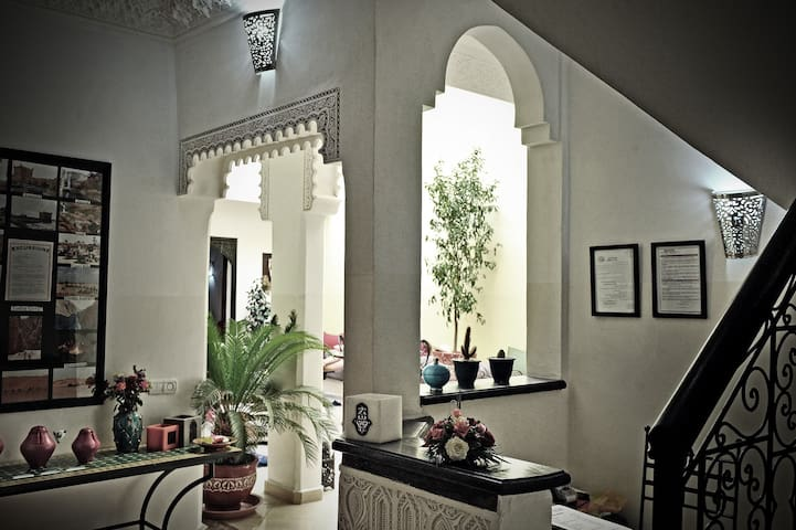 "RIAD DAR NOSSA - ""MEDERSA"" - Marrakech - Bed & Breakfast"
