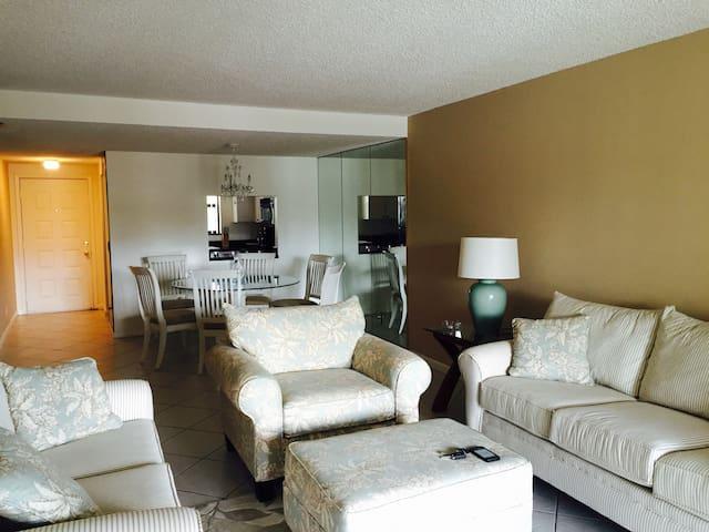 Beautiful 2 bdr Intracoastal condo Palm Beach - Lantana - Appartement
