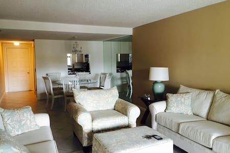 Beautiful 2 bdr Intracoastal condo Palm Beach - Lantana - Apartemen