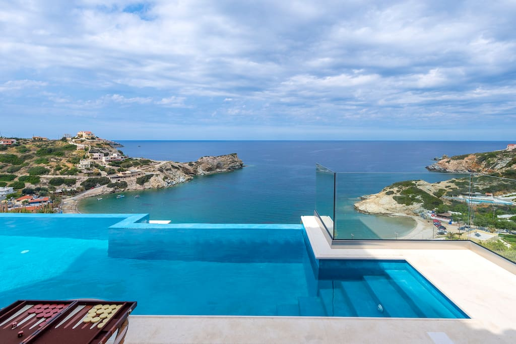 Amazing sea view from the pool area!