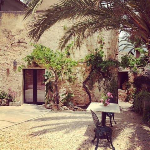 Mallorcan village  rustic townhouse - S'Alqueria Blanca