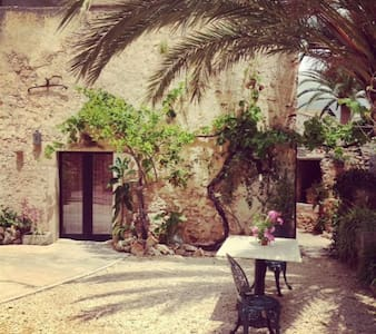 Mallorcan village  rustic townhouse - S'Alqueria Blanca - Villa