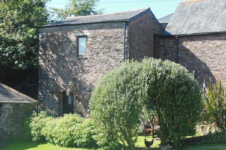 Cosy cottage for two near Dartmouth - Blackawton