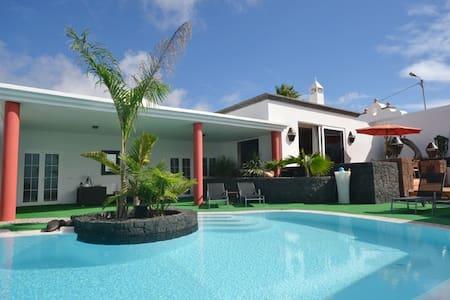 F02LANZ- Fantástica casa! - Tinajo - Villa