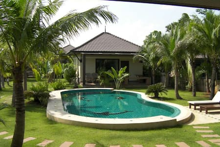 Srisawat luxury villa