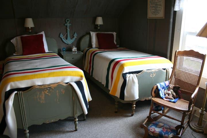 Hadley Harbor - Single Bed #2