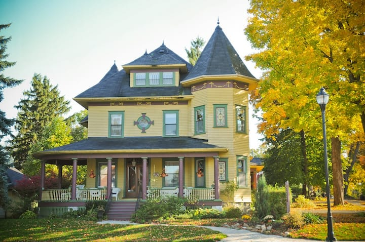Sleepy Hollow B&B of 1000 Islands