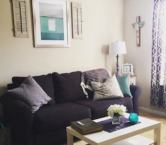 Cozy Apartment- Two minutes from Kyle Field! - Apartment
