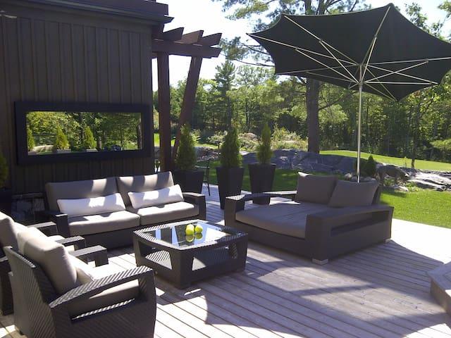 Stunning Muskoka Bay Golf Course Villa! - Gravenhurst - Villa