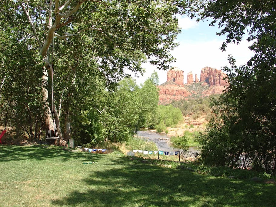 Amazing location!! Step outside to direct creek acess, stunning view & vortex energy!