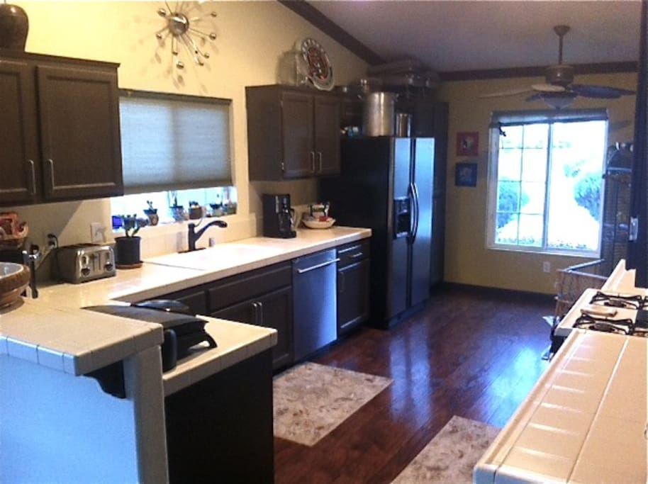 Spacious kitchen with full amenities