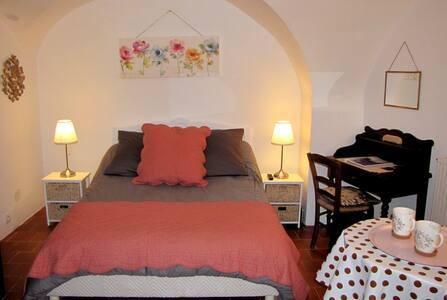 Une adorable petite chambre d'hôtes indépendante.