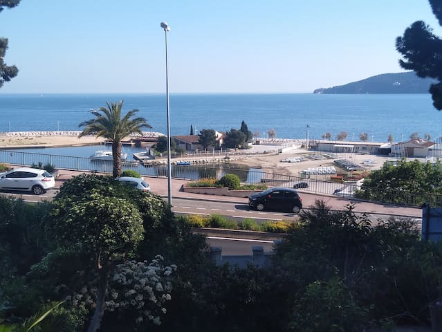 62m2 apartment with 2 bedrooms, close to the sea