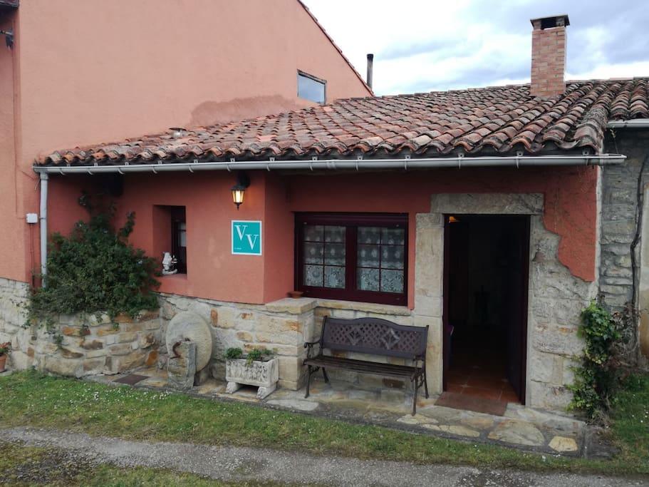 Casa de aldea con jard n en arg ero villaviciosa for Casa jardin asturias