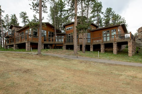Rocky Mountain Paradise 3 Bedroom Suite