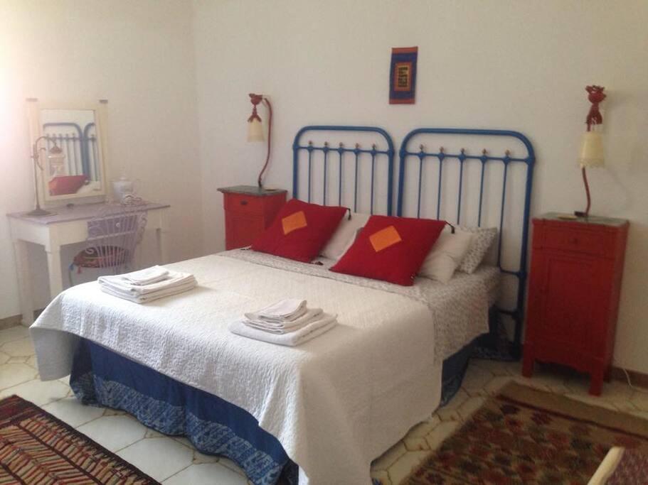 1 camera da letto 3 letti